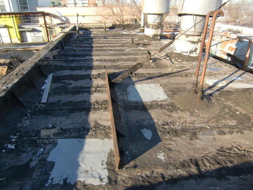 состояние до ремонта кровли производственных зданий