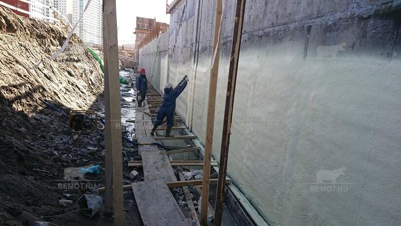 Утепление пеной - ППУ наружной стены подземной парковки