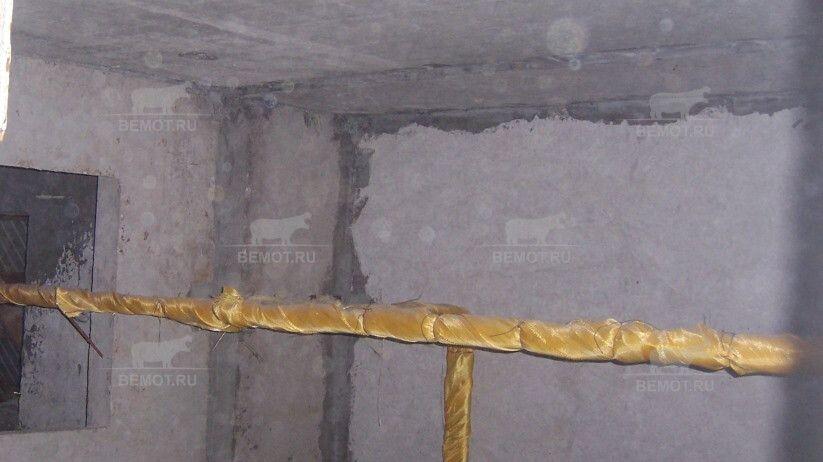 Поверхность плиты подвального помещения подготовленная для нанесения ППУ